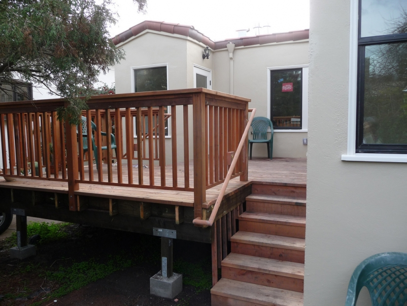 http://www.rivendellcarpentry.com/files/gimgs/th-2_1_deck.jpg