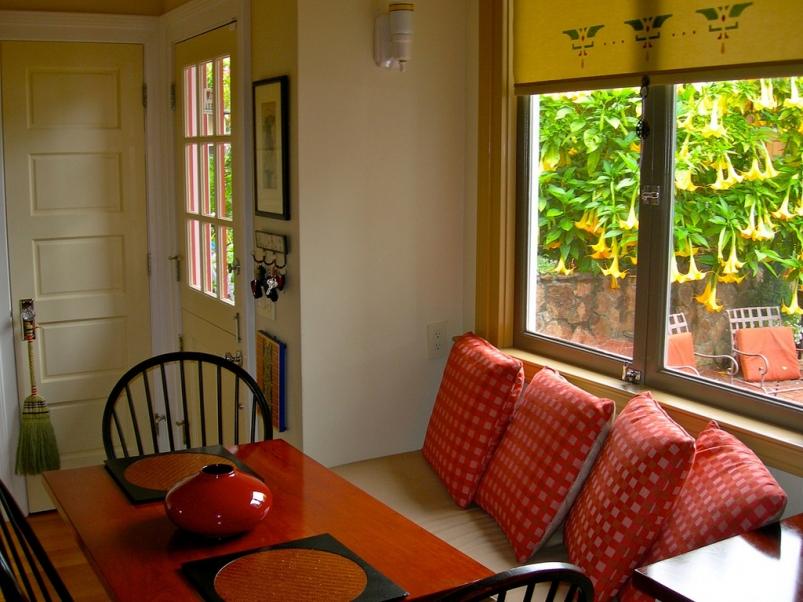 http://www.rivendellcarpentry.com/files/gimgs/th-2_1_diningroom_v2.jpg